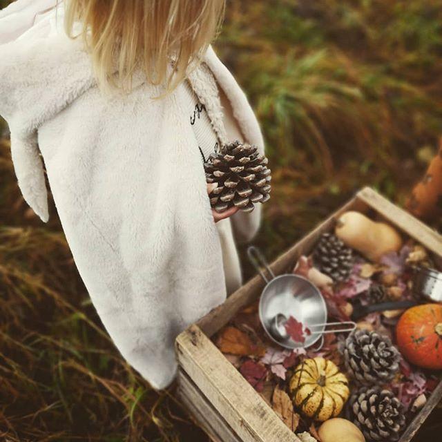 Petite fille légumes et jeux d