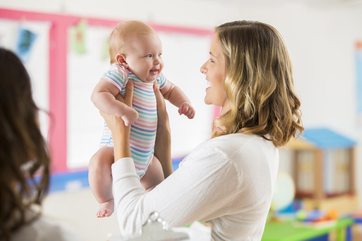 pro et parent avec enfant