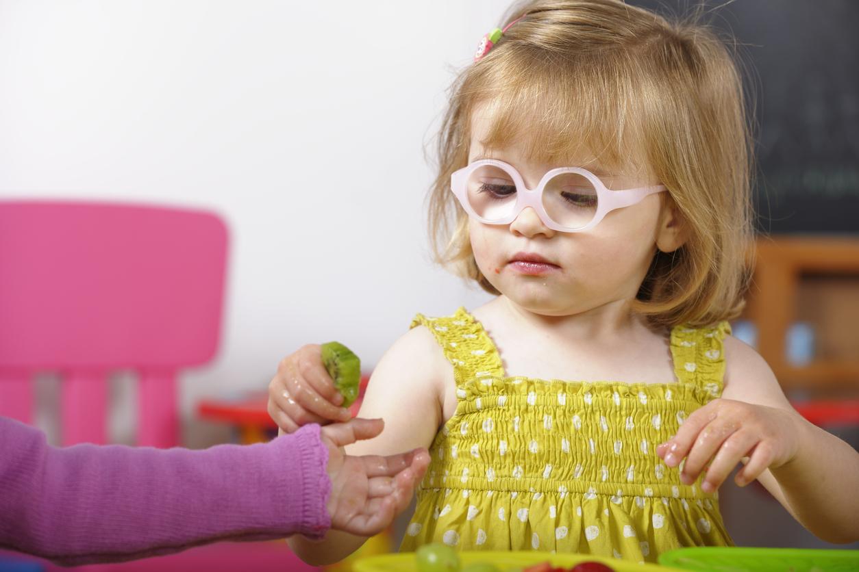 filles lunettes