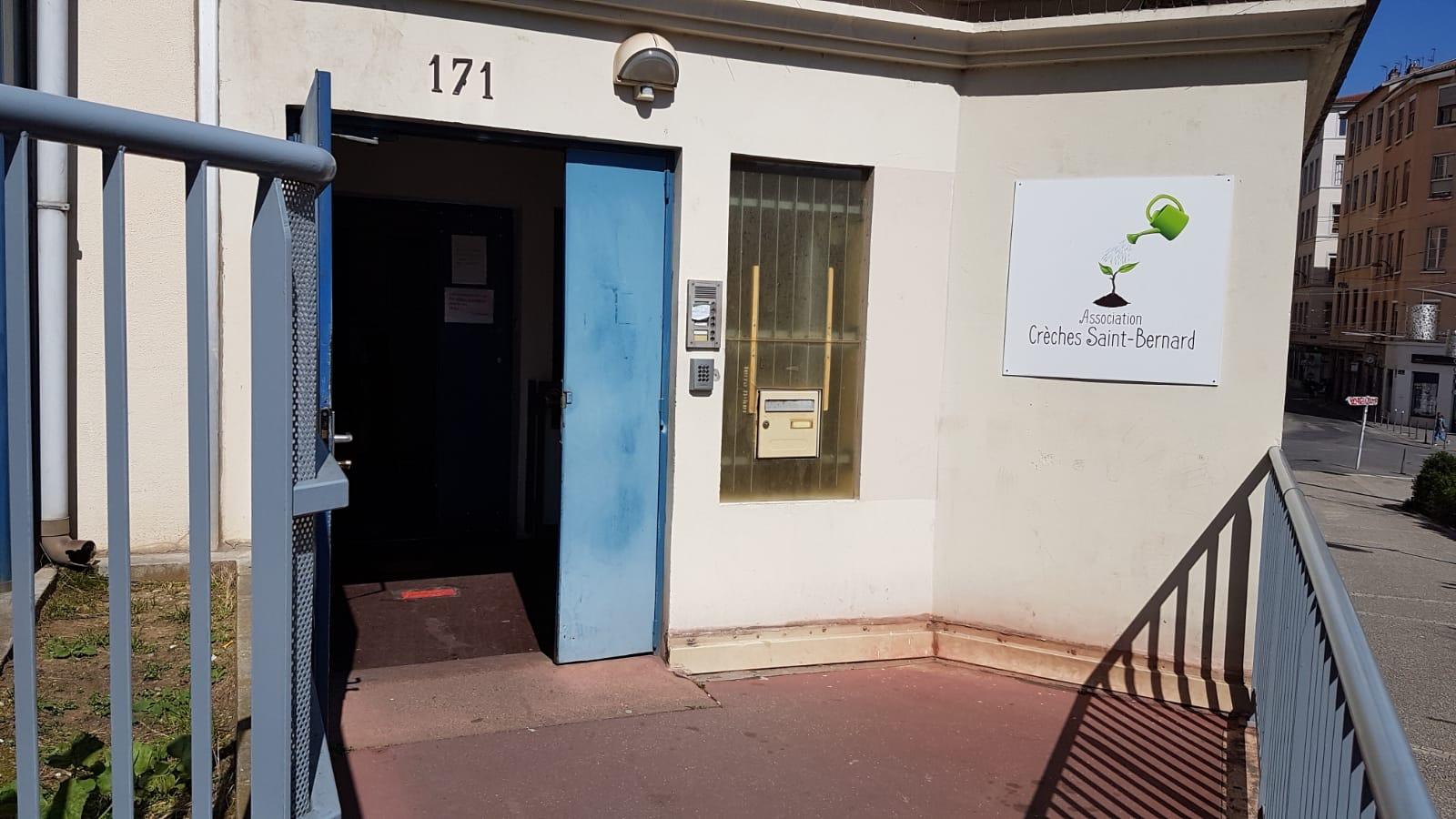 crèche Saint Bernard à Lyon