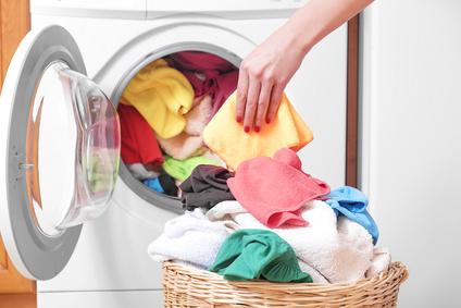 machine à laver le linge pleine