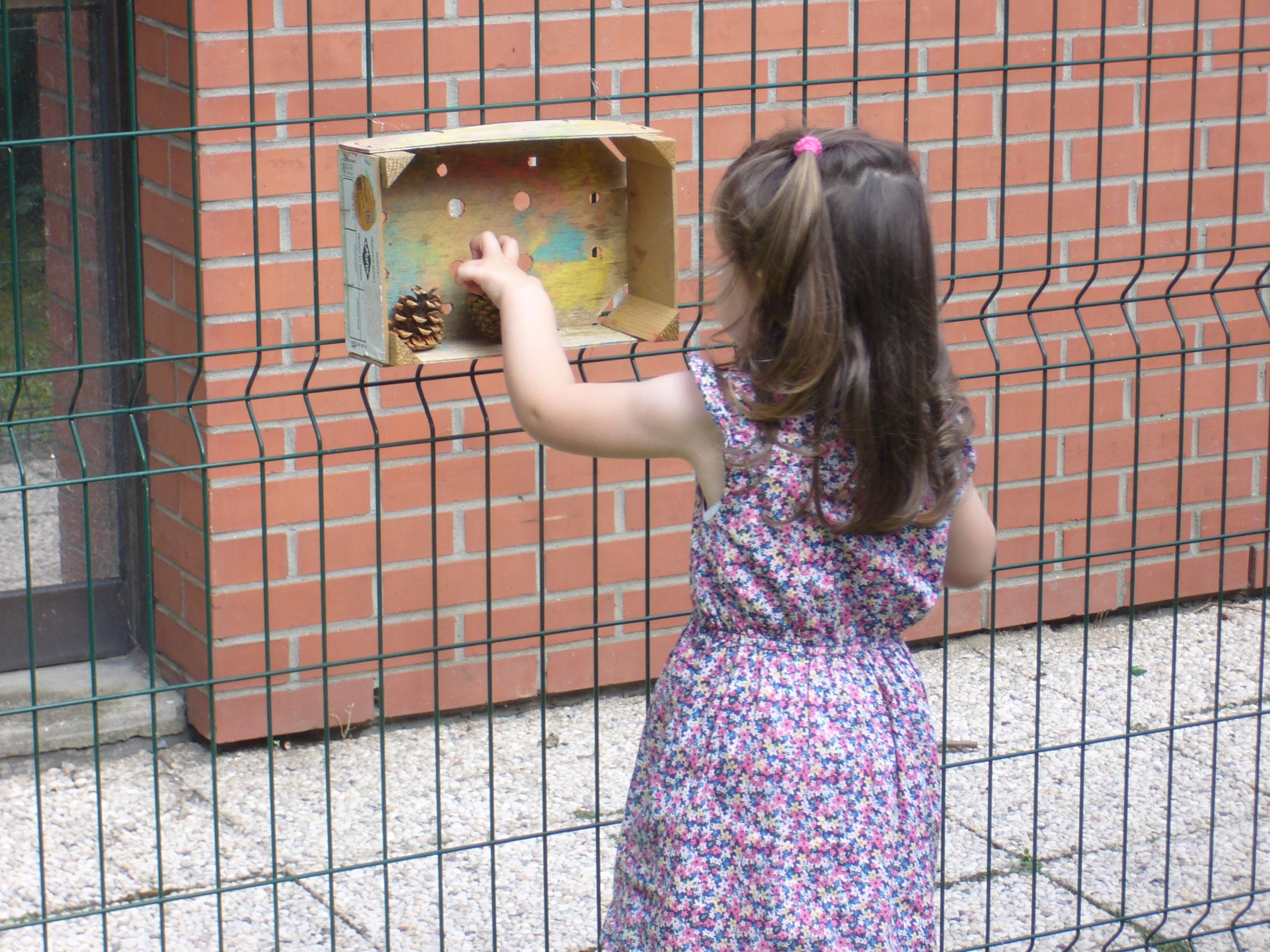 Petite fille à la crèche Cafarandole