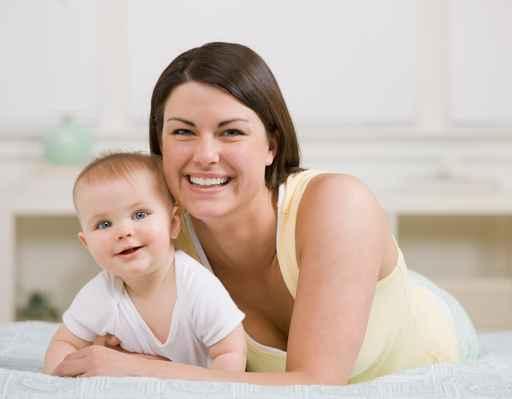 maman avec son bébé