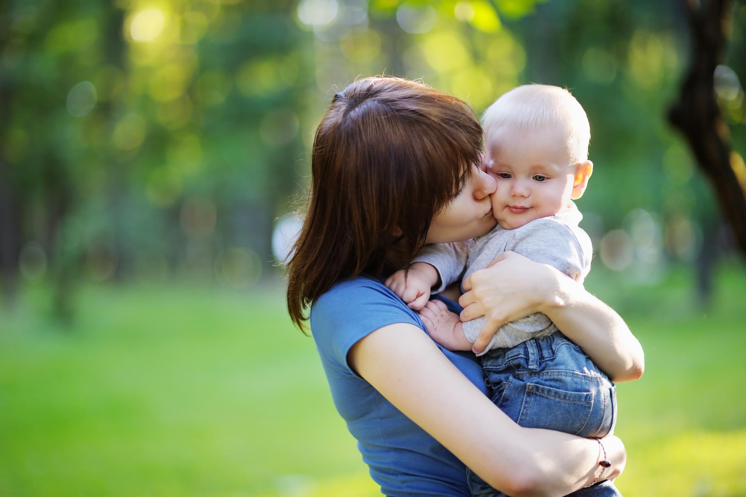 Mamans ayant des relations sexuelles avec leurs amis fils