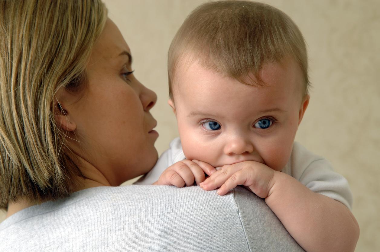 professionnelle porte bébé