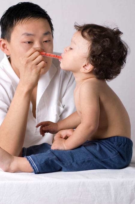 enfant et médecin