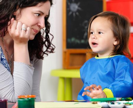 Professionnelle et jeune enfant