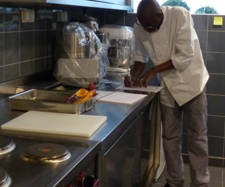 cuisinier dans une crèche