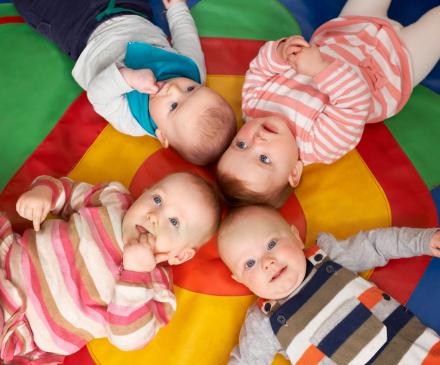 bébés en crèche