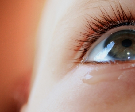 larme oeil d'enfant