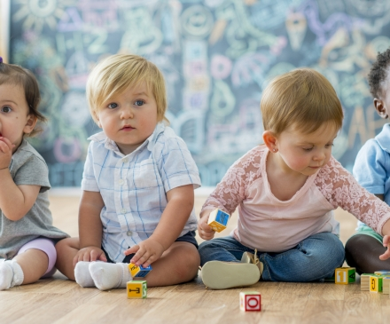 enfants en crèche