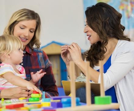 Langue des signes pour bébé en collectivité