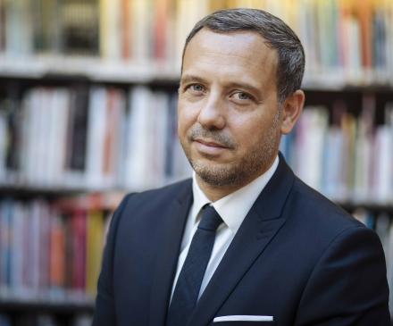 Adrien Taquet , secrétaire d'Etat à l'Enfance et aux Familles