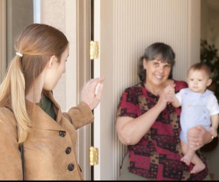 maman, assistante maternelle et bébé