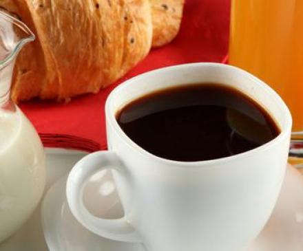 petit-dejeuner-parents-a-la-creche