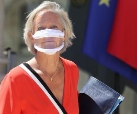 Sophie Cluzel et masque inclusif