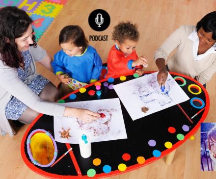 professionnelles de la petite enfance avec enfant