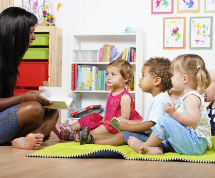 professionnelle crèche et bébés