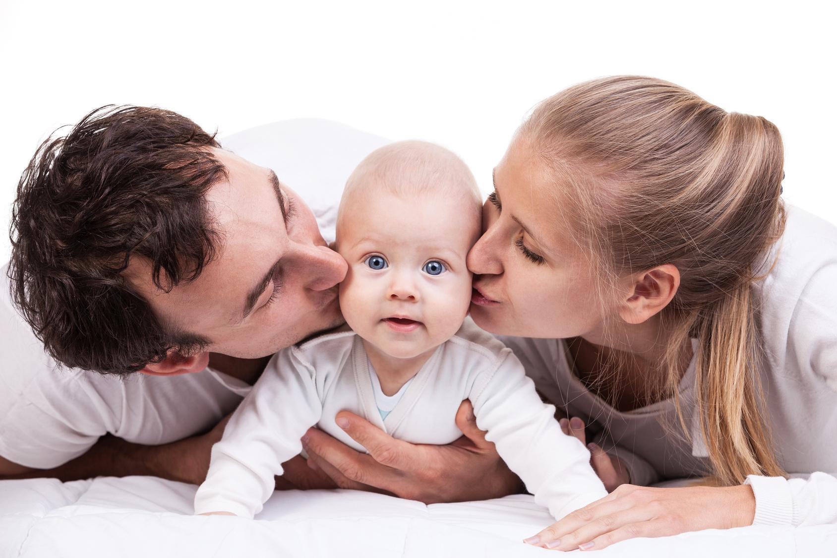papa maman et bébé