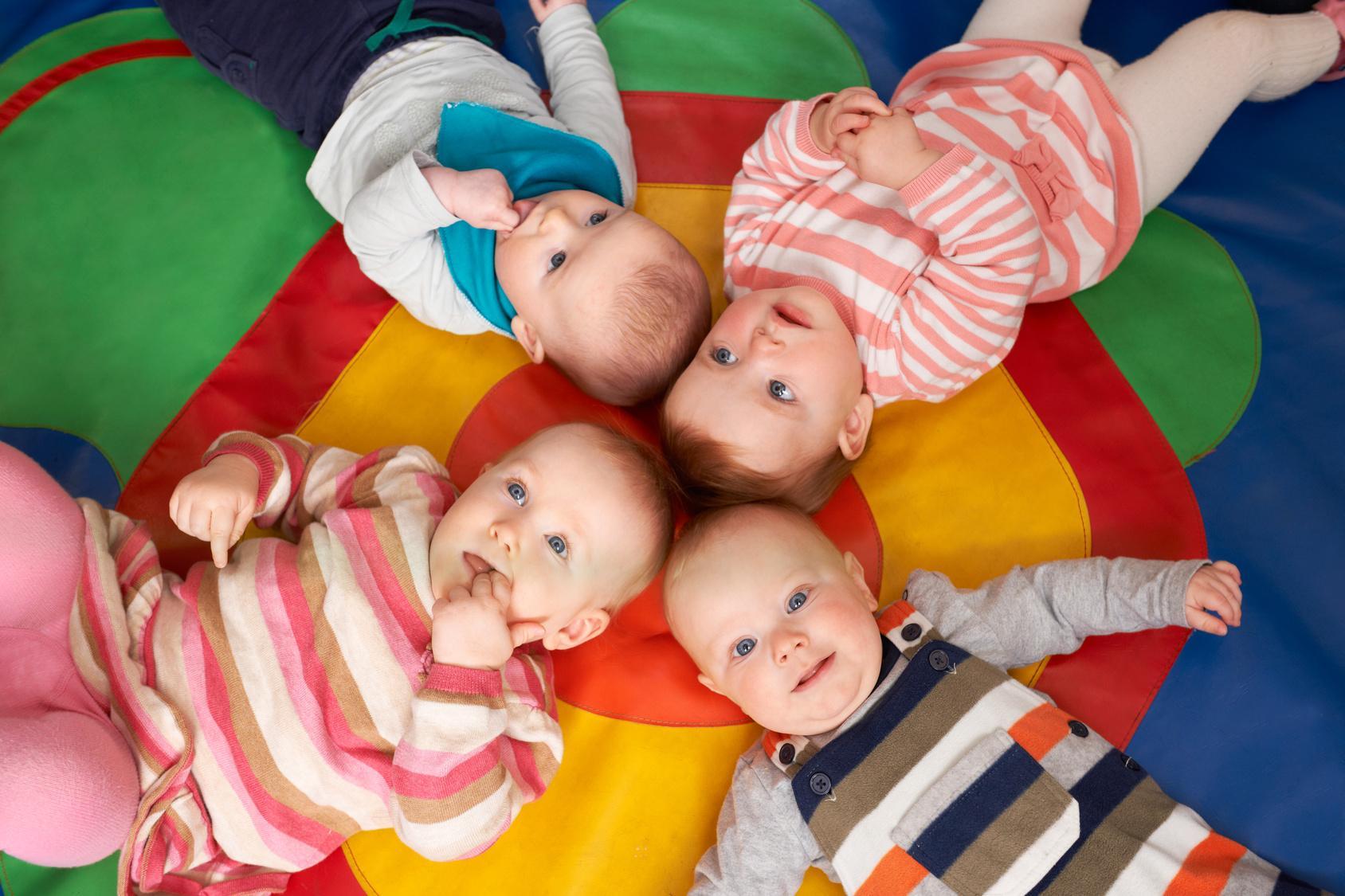 bébés à la crèche