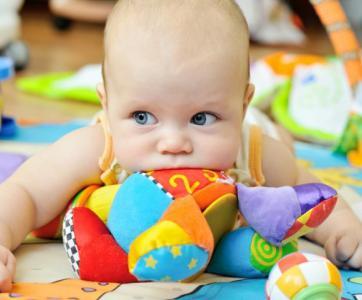 Bébé dans une maison d'assistante maternelle