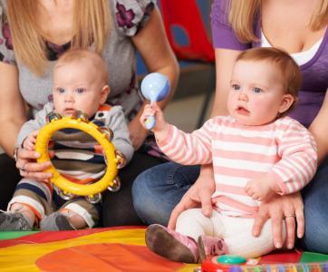 jeunes enfants en atelier musique