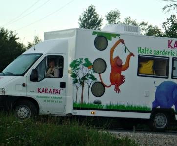 Bus de la garderie itinérante Karapat