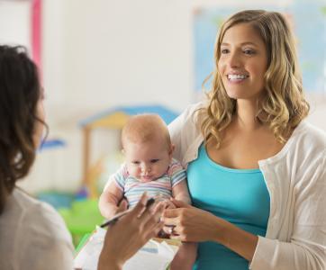 maman, professionnelle et bébé