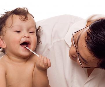 petit enfant chez le médecin