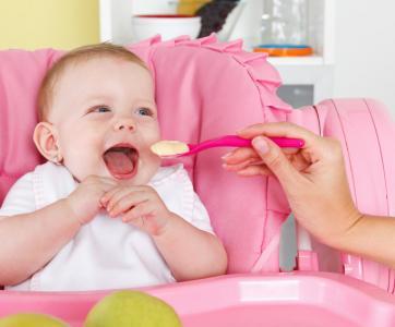 La préparation-des-repas-des bébés-par-assistante-maternelle